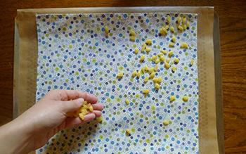 Fabriquer un emballage réutilisable à la cire façon bee's wrap