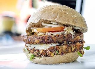 Burger végétarien aux lentilles et légumes bio