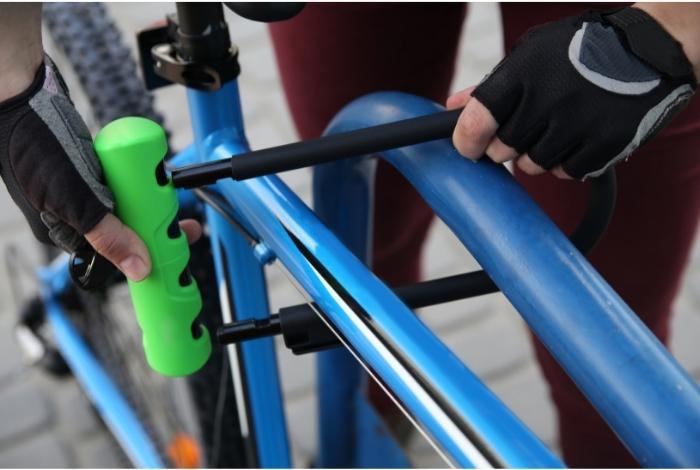 équiper son vélo d'un bon cadenas en U contre le vol