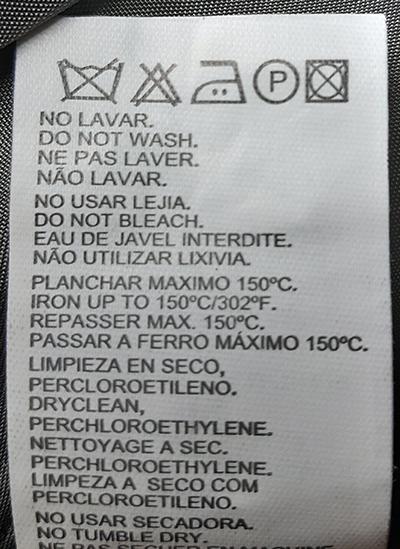 Etiquette avec le symbole de nettoyage à sec