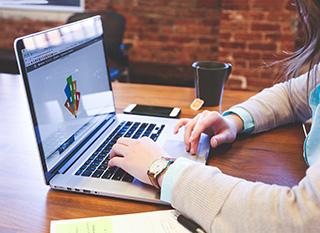 Un ordinateur ou une tablette pour une maman geek