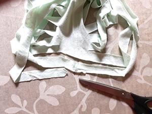 Fabriquer un tawashi, méthode tissage avec une pelote de tissu
