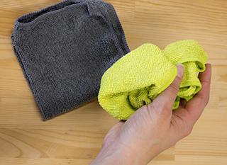 Avec la microfibre, on peut laver uniquement à l'eau : super écologique !