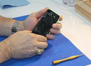 Réparer ou faire réparer son téléphone, c'est possible !