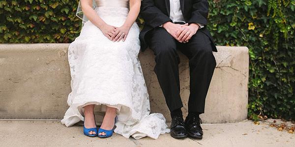 Une tenue de seconde main pour les mariés ?