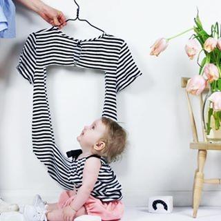 Transformer un t-shirt en vêtement pour bébé