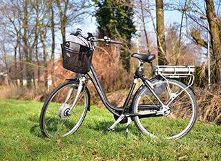 Vélo électrique avec moteur dans la roue avant