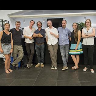 L'équipe d'écoconso avec Jérémie Pichon après la conférence