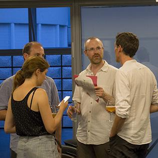 Discussions et échanges après la conférence zéro déchet