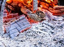 Utiliser les cendres de son feu de bois