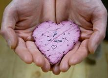 Carte de Saint-Valentin qui deviendra une fleur