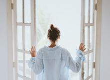 Aérer tous les jours : le conseil n°1 pour un intérieur sain
