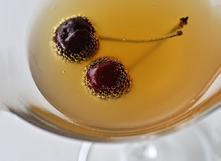 Conserver herbes et fruits dans l'alcool