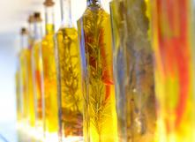 Conserver ses herbes et légumes dans l'huile