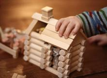 Un jouet en bois comme alternative au plastique. Photo: Suzette sur Flickr - https://goo.gl/T8VTll