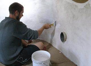 comment peindre un mur humide good comment peindre les murs avec la technique de la couleur. Black Bedroom Furniture Sets. Home Design Ideas