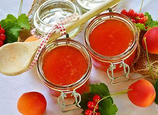 Préparer des confitures pour conserver ses fruits