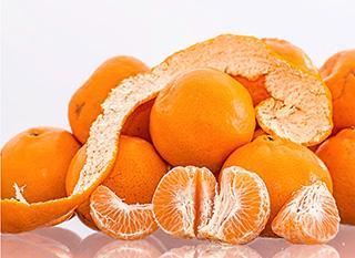 Cuisiner les fanes et pelures des fruits et légumes : une super astuce contre le gaspillage alimentaire