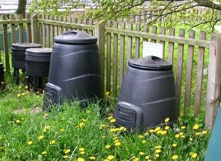 Compost en fût. Photo: Evelyn Simak [CC-BY-SA]