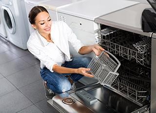 Quel lave-vaisselle acheter pour économiser l'eau et l'énergie ?