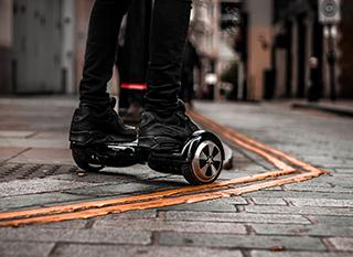 Où et comment rouler en hoverboard, trottinette électrique, gyroroue... ? Photo: urbanwheel.co [CC-BY]