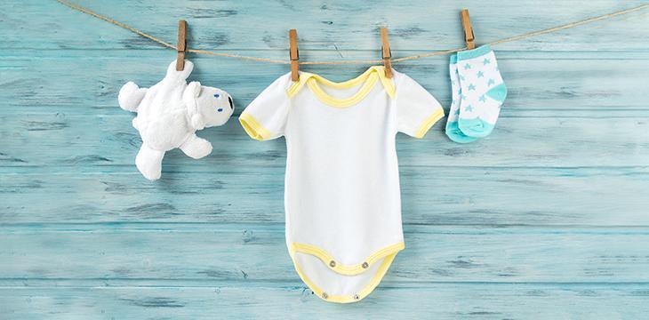 Bébé au naturel : quel matériel utile et pas cher choisir ?